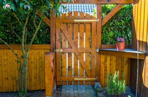 Gate Fitters Tilbury Essex